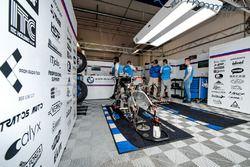 #52 EKO IVRacing BMW CSEU, BMW S1000 RR: Martin Choy, Karel Hanika, Julian Meyer