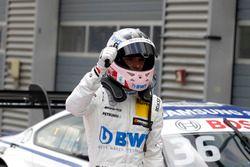 Ganador de la pole Lucas Auer, Mercedes-AMG Team HWA, Mercedes-AMG C63 DTM