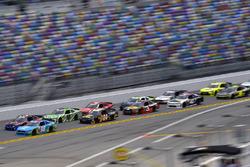 Casey Mears, Biagi-DenBeste Racing Ford e Daniel Suárez, Joe Gibbs Racing Toyota