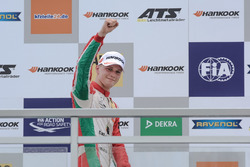 Podium, segundo, Maximilian Günther, Prema Powerteam Dallara F317 - Mercedes-Benz