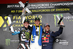 Podio: il vincitore Johan Kristoffersson, Volkswagen Team Sweden, il secondo classificato Andreas Ba
