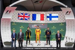Podium: race winner Giuliano Alesi, Trident, second place Jack Aitken, ART Grand Prix, third place N
