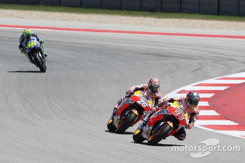 Enquanto isso, Márquez superava Pedrosa e assumia a liderança.