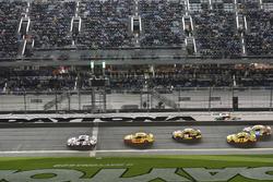 Brad Keselowski, Team Penske Ford, Joey Logano, Team Penske Ford, Matt Kenseth, Joe Gibbs Racing Toyota