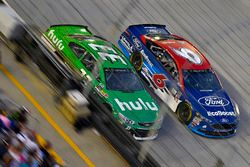Trevor Bayne, Roush Fenway Racing Ford, Jeffrey Earnhardt, Circle Sport – The Motorsports Group Chev