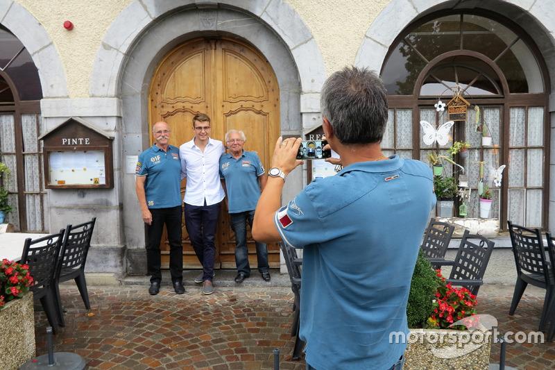 Jean-Luc Monachon, Mathéo Tuscher e Georges Gachnang fotografati da Fred Jouvenaz