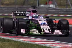 Lucas Auer, Force India VJM10 with aero paint on friont wing