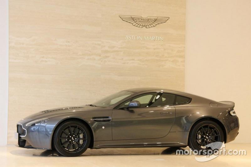 Aston Martin V12 Vantage S von Max Verstappen