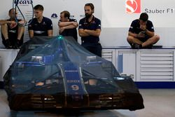 Sauber C36 under covers