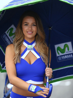 MotoGP 2017 Motogp-dutch-tt-2017-yamaha-girl