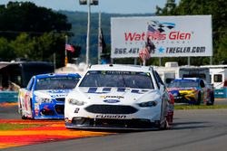 Brad Keselowski, Team Penske Ford, A.J. Allmendinger, JTG Daugherty Racing Chevrolet