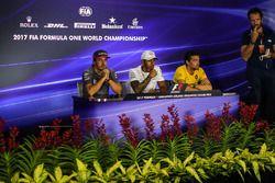 Matteo Bonciani, FIA Media Delegate, Fernando Alonso, McLaren, Lewis Hamilton, Mercedes AMG F1 and J