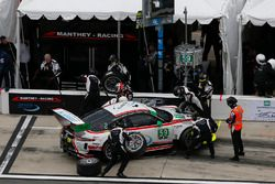 #59 Manthey Racing Porsche 911 GT3 R: Sven Muller, Reinhold Renger, Harald Proczyk, Steve Smith, pit