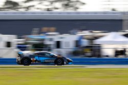 #76 Compass360 Racing, McLaren GT4: Paul Holton, Matt Plumb