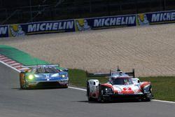 #2 Porsche Team Porsche 919 Hybrid: Timo Bernhard, Earl Bamber, Brendon Hartley, #67 Ford Chip Ganas
