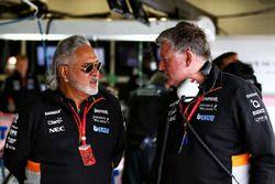 Dr. Vijay Mallya, propriétaire du Sahara Force India Team, Otmar Szafnauer, PDG du Sahara Force India F1 Team