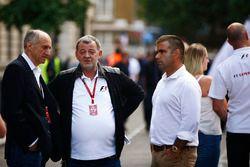 Franz Tost, Teambaas, Scuderia Toro Rosso, Paul Stoddart en Zsolt Baumgartner