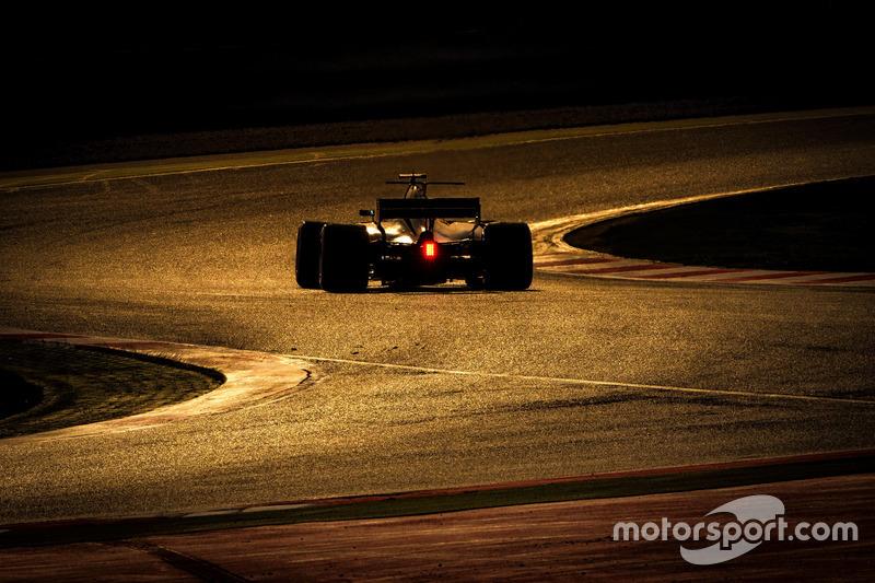 Miércoles: Romain Grosjean, Haas F1 Team VF-17