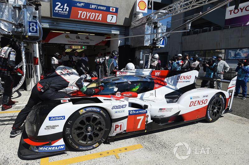 Камуи Кобаяши (Toyota №7, LMP1) – сход