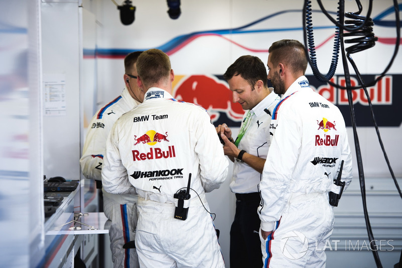 Team members of Marco Wittmann, BMW Team RMG, BMW M4 DTM