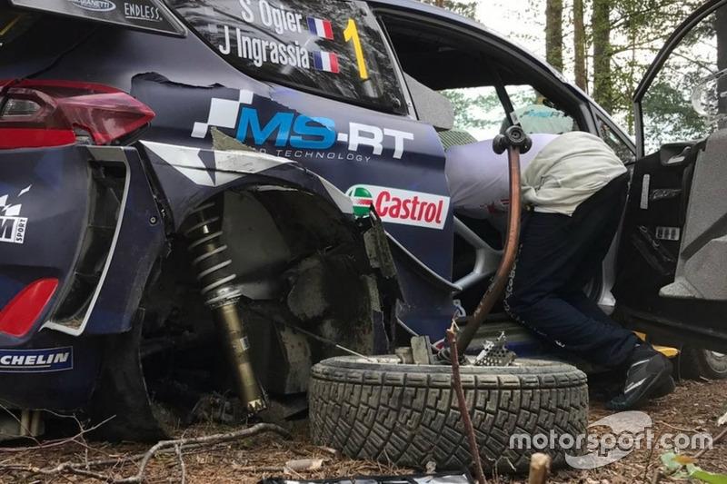 Sebastien Ogier, Julien Ingrassia, Ford Fiesta WRC Plus, M-Sport, dopo l'incidente