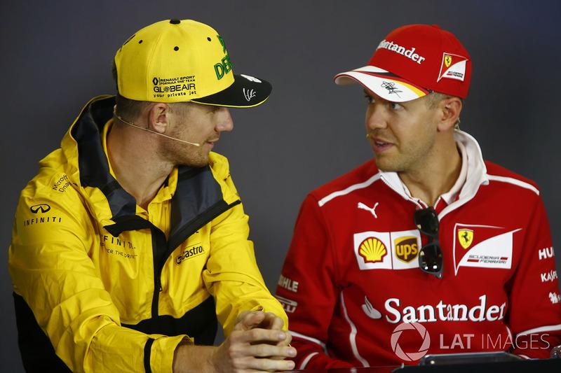 Nico Hulkenberg, Renault Sport F1 Team, Sebastian Vettel, Ferrari, en la conferencia de prensa