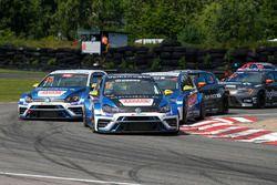Fredrik Blomstedt davanti a Fredrik Ekblom, Johan Kristoffersson e Robert Dahlgren durante Gara 1