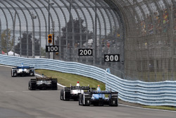 Marco Andretti, Andretti Autosport Honda, J.R. Hildebrand, Ed Carpenter Racing Chevrolet, Helio Castroneves, Team Penske Chevrolet, Scott Dixon, Chip Ganassi Racing Honda