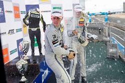 Podium: Ganador, Lando Norris, Carlin Dallara F317 - Volkswagen, segundo, Jake Hughes, Hitech Grand