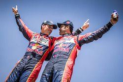 Yarış galibi #300 Toyota Hilux: Nasser Al-Attiyah, Matthieu Baumel