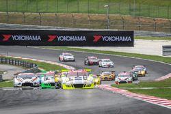 #911 Manthey Racing, Porsche 911 GT3R, Earl Bamber, Nick Tandy, Patrick Pilet