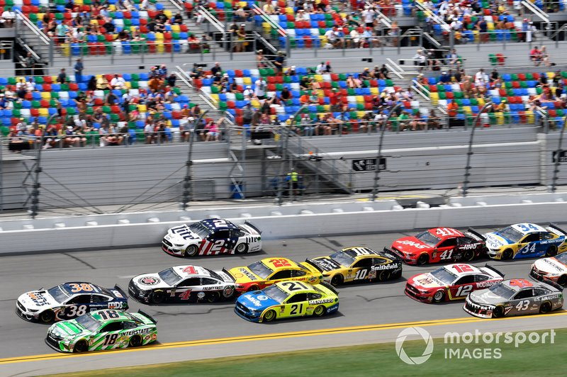 David Ragan, Front Row Motorsports, Ford Mustang MDS Transport, Kyle Busch, Joe Gibbs Racing, Toyota Camry Interstate Batteries, Kevin Harvick, Stewart-Haas Racing, Ford Mustang Jimmy John's, Paul Menard, Wood Brothers Racing, Ford Mustang Menards / Dutch Boy, Joey Logano, Team Penske, Ford Mustang Shell Pennzoil, Brad Keselowski, Team Penske, Ford Mustang Miller Lite, Aric Almirola, Stewart-Haas Racing, Ford Mustang Smithfield Anytime Favorites
