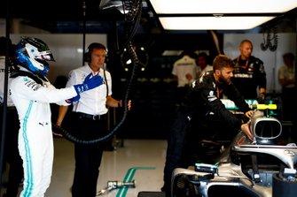 Valtteri Bottas, Mercedes AMG F1, prepares to get in his cockpit