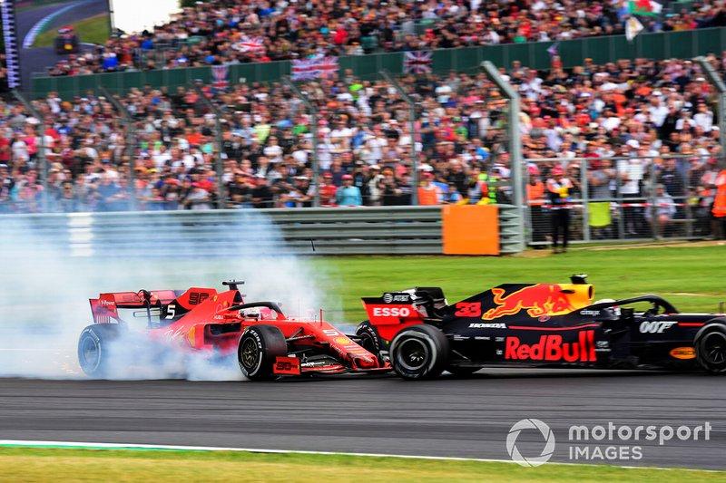 Sebastian Vettel, Ferrari SF90 choca pordetrás con Max Verstappen, Red Bull Racing RB15