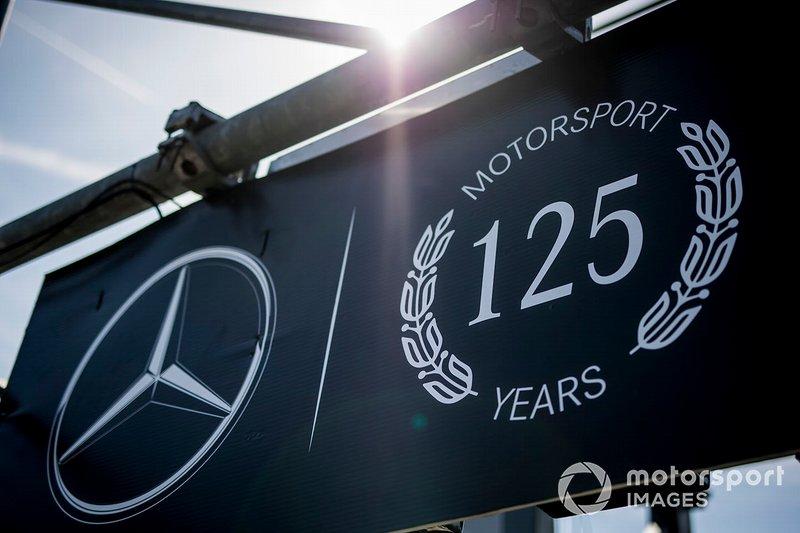 Le logo des 125 années de Mercedes en sport automobile
