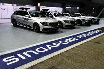 Safety Car and medical cars in the pit lane