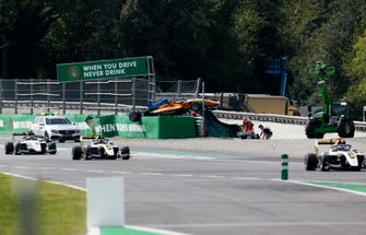 Alexander Peroni, Campos Racing na de crash