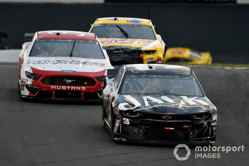 #3: Austin Dillon, Richard Childress Racing, Chevrolet Camaro Jack Daniel's and David Ragan, Front Row Motorsports, Ford Mustang Citgard Heavy Duty Engine Oil