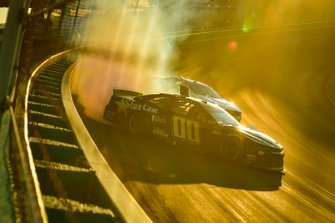 Landon Cassill, StarCom Racing, Chevrolet Camaro StarCom Fiber spins