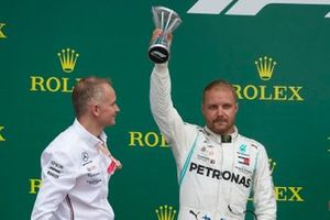 Valtteri Bottas, Mercedes AMG F1, 2e plaats, op het podium