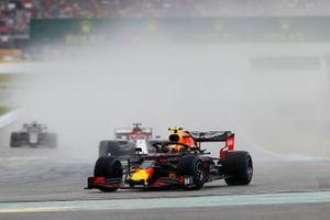 Pierre Gasly, Red Bull Racing RB15, leads Kimi Raikkonen, Alfa Romeo Racing C38