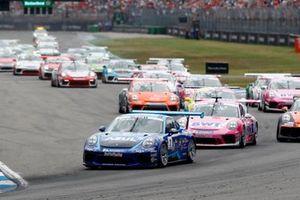 Dylan Pereira, Momo Megatron Lechner Racing leads