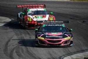 #86 Meyer Shank Racing w/ Curb-Agajanian Acura NSX GT3, GTD: Mario Farnbacher, Trent Hindman, #9 PFAFF Motorsports Porsche 911 GT3 R, GTD: Dennis Olsen, Zacharie Robichon