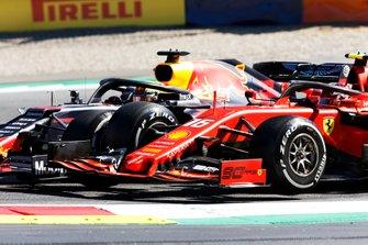 Max Verstappen, Red Bull Racing RB15 en Charles Leclerc, Ferrari SF90