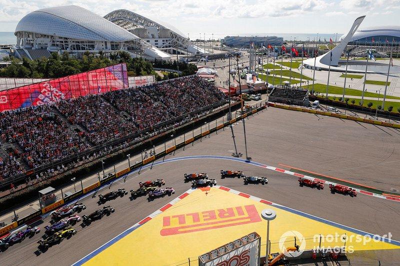 Inicio Sebastian Vettel, Ferrari SF90, Charles Leclerc, Ferrari SF90
