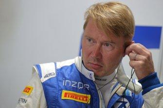 #11 Planex Smacam Racing McLaren 720S GT3: Mika Hakkinen