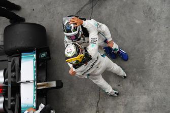 Lewis Hamilton, Mercedes AMG F1 and Valtteri Bottas, Mercedes AMG F1 W09 EQ Power+ celebrate in Parc Ferme