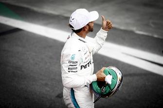 Lewis Hamilton, Mercedes AMG F1, celebrates pole