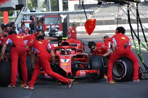 Kimi Raikkonen, Ferrari SF71H aux stands