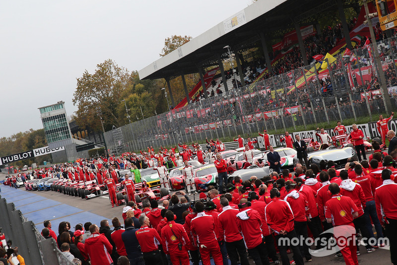 Ferrari F60, 488, FXX, F1 Clienti, e 599 in griglia di partenza